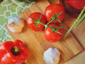 10 alimentos que sí son dieta mediterránea y 10 que en realidad no