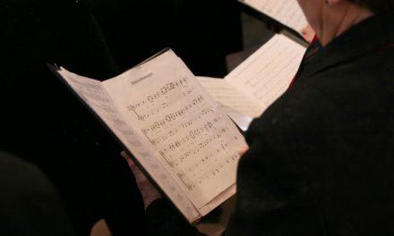 La Coral Polifónica Hims Mola firma un convenio para promocionar la música
