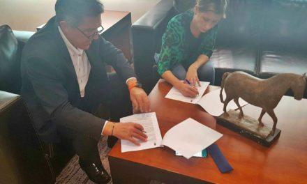 El Ayuntamiento firma un convenio con la FERM