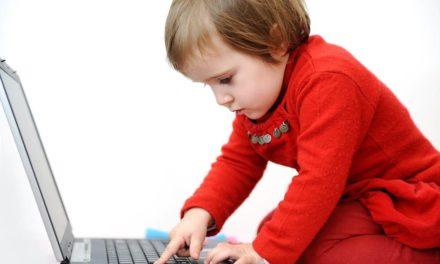 Menores en la era digital: cómo proteger a tus hijos sin violar su intimidad