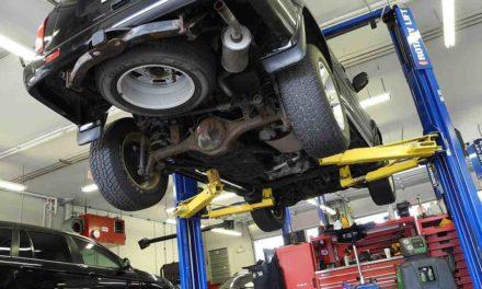 Cambia el aceite del coche o pagarás una avería de hasta 2.000 euros