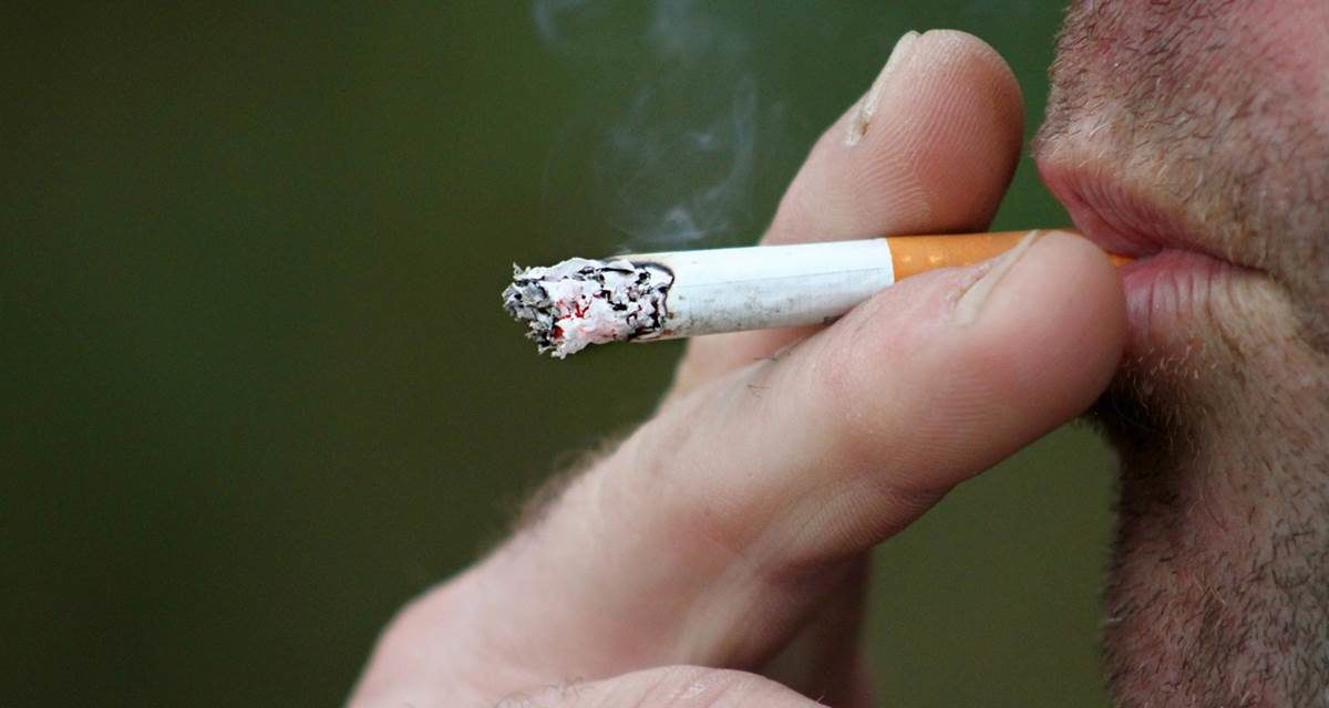 Las personas con sobrepeso y obesidad tienen mayor riesgo de fumar