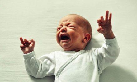 Dejar llorar o no: el falso debate sobre cómo dormir a los niños