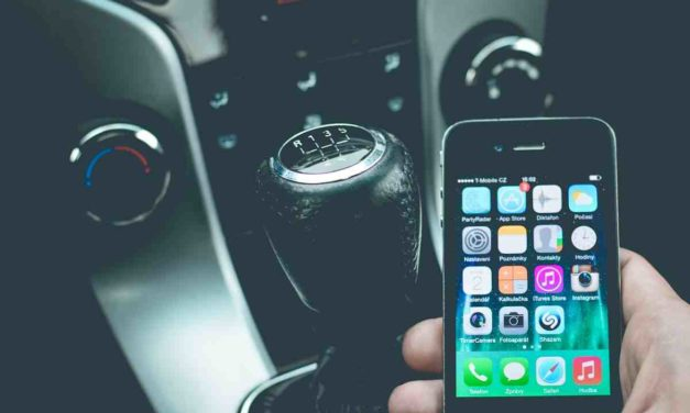 Reino Unido pone en marcha un nuevo sistema que detecta el uso del móvil dentro del coche