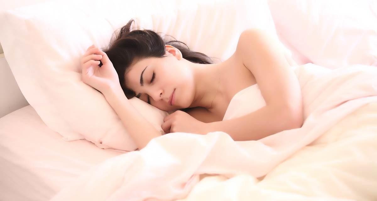 Dormir menos de seis horas al día aumenta nuestro riesgo cardiovascular