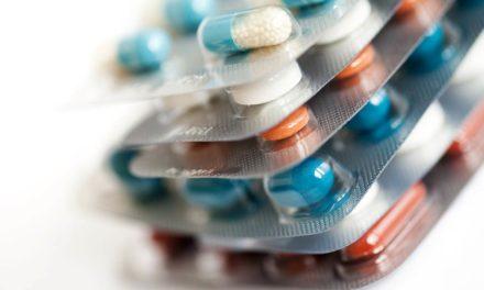 Las bebidas alcohólicas interfieren con los antibióticos: ¿verdad o mito?