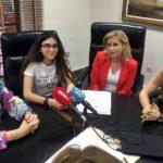 El Ayuntamiento reconoce la labor de Ana y Aitana