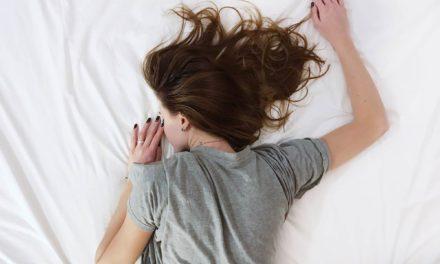 Echarse solo una o dos siestas semanales se asocia con menor riesgo de ataque cardiaco